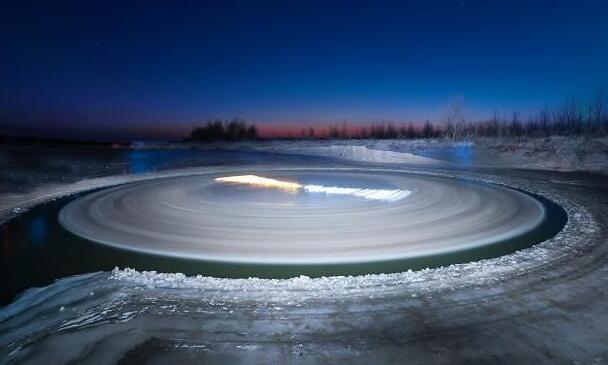 沈阳河面旋转冰圈 罕见!