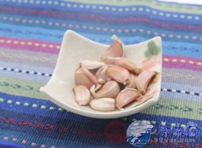 蒜头发芽能吃吗 大蒜和什么食物在一起吃最好