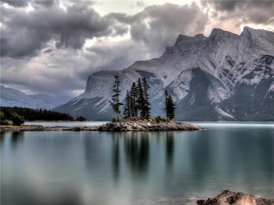 世界上最美的十大高山湖盘点!
