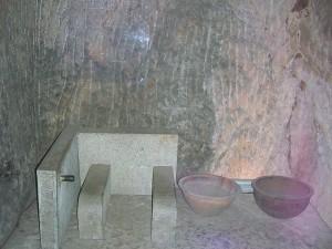 古代人上厕所叫什么?古代没有厕所女人怎么解决问题?