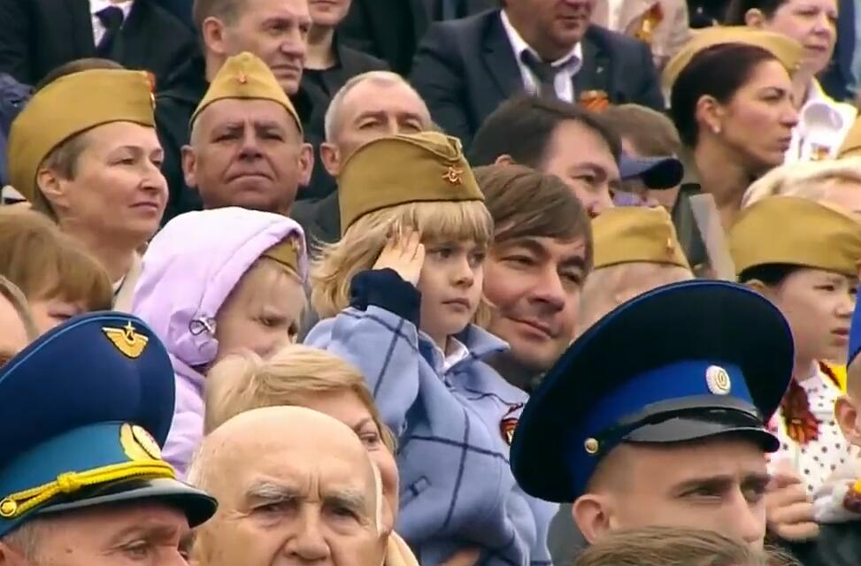 俄罗斯红场阅兵仪式  场面壮观!