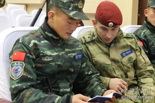 中俄联合反恐演训  中国武警展良好形象
