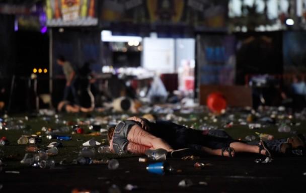 美国教堂枪击案至少27死