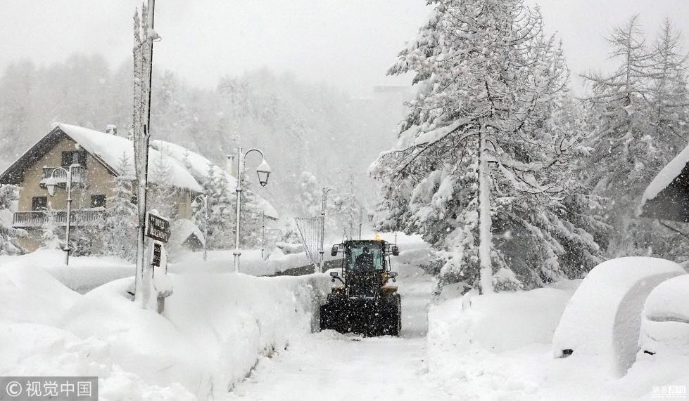 意大利遭大雪袭击  受灾严重