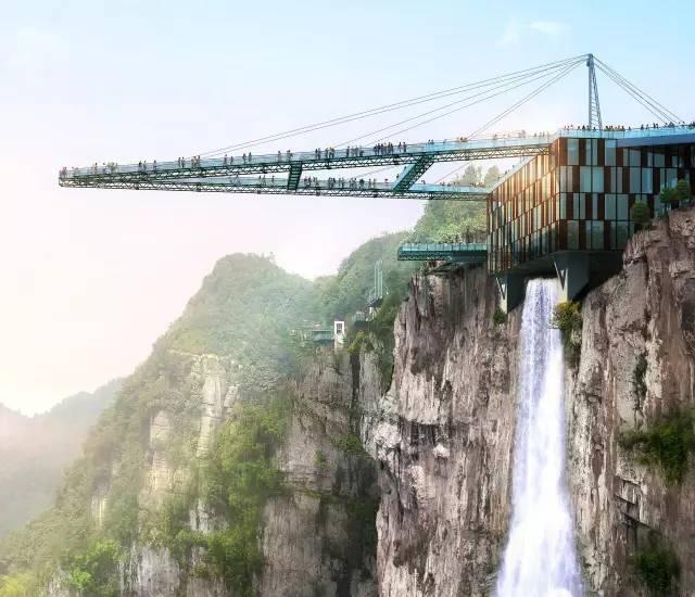 世界上最长的悬挑空中玻璃走廊!