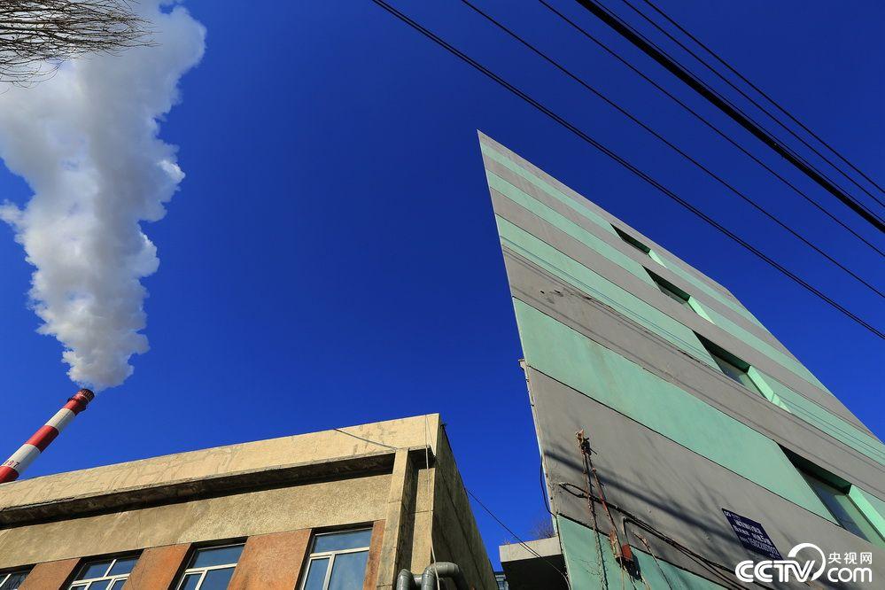 哈尔滨现纸片楼  薄如纸!