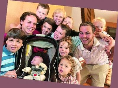 美国夫妇连生15胎男孩