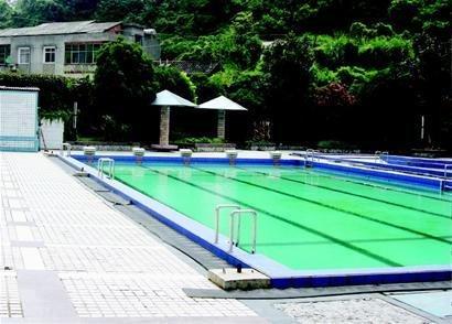 泳池溺亡   因救生员出去买烟!