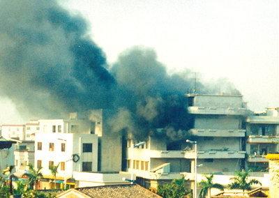 海南餐厅烤炉爆炸 2人死亡