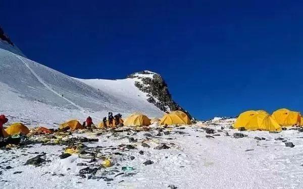 珠峰拥堵多人丧生,登上珠峰的有多少人?