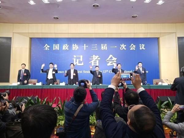 许家印刘强东等5委员答问 说了哪些大事?