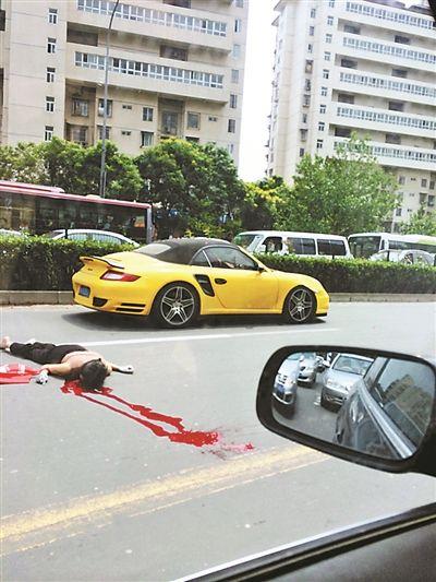 横穿马路回家被撞身亡 肇事现场曝光!