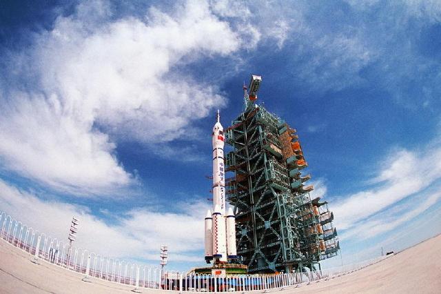 中国航天成功完成首次海上发射!