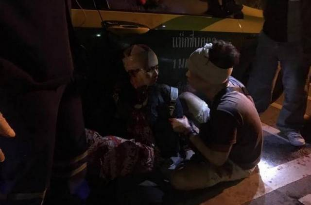 中游客遭飞车抢劫 猖狂作案