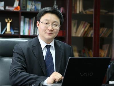 刘庆峰模仿特朗普讲话  难辨真假