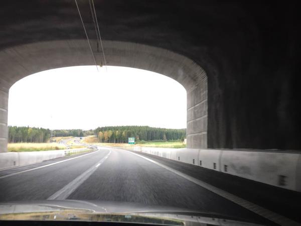 陕西36死事故现场被包起  专家质疑隧道设计不合理!