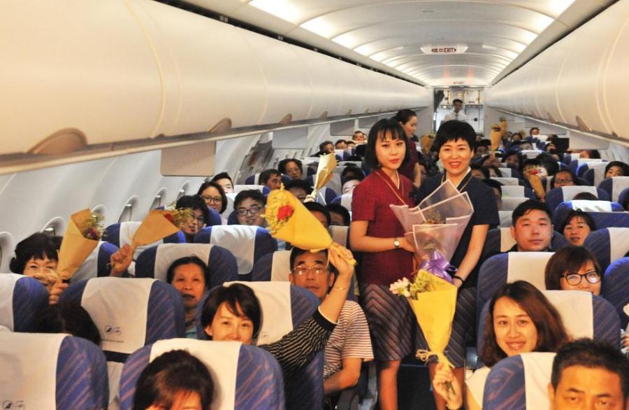 母女空姐同飞一趟航班 母女空姐同飞一趟航班献母亲节最好礼物!